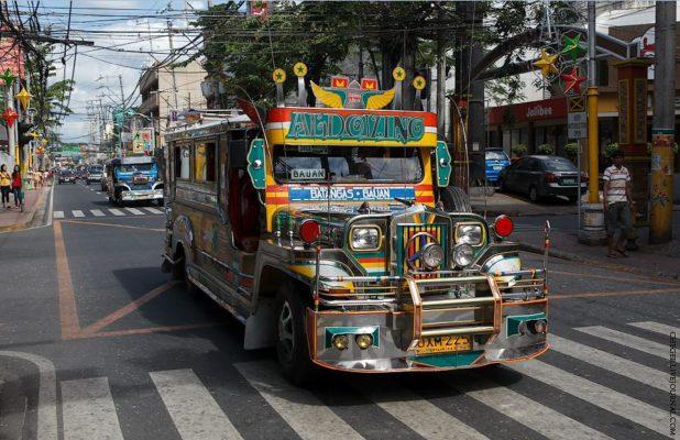 Как делают джиппни на Филиппинах