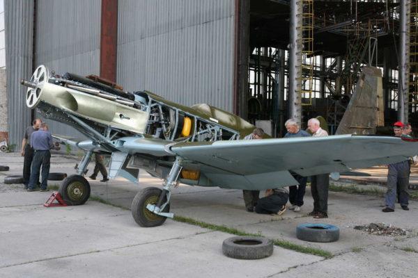 Как поднимают и реставрируют самолёты времен Великой Отечественной