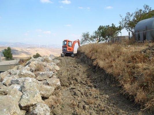 Как на Сицилии делают подпорные стены сухой кладки