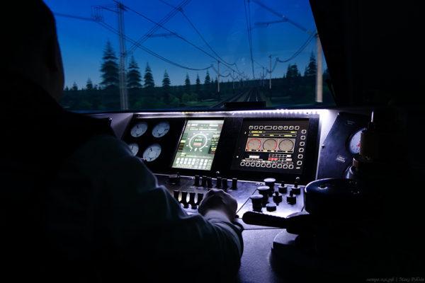 Как устроен тренажерный комплекс «Кабина машиниста электровоза ЭП1М»
