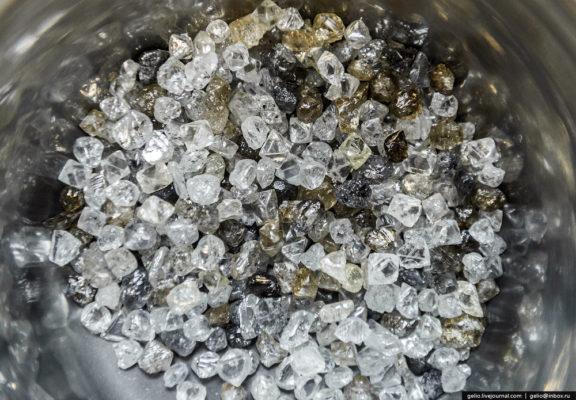 Как добывают и обрабатывают алмазы в Якутии
