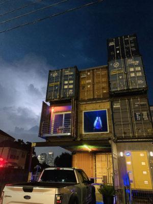 Как построить трехэтажный дом из контейнеров