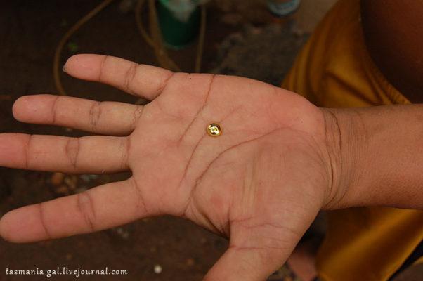 Как добывают золото в Индонезии