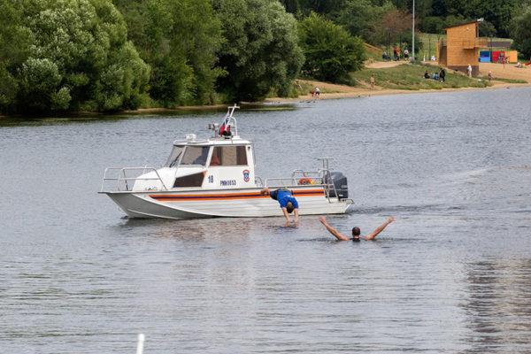 Как МЧС обеспечивает безопасность на воде