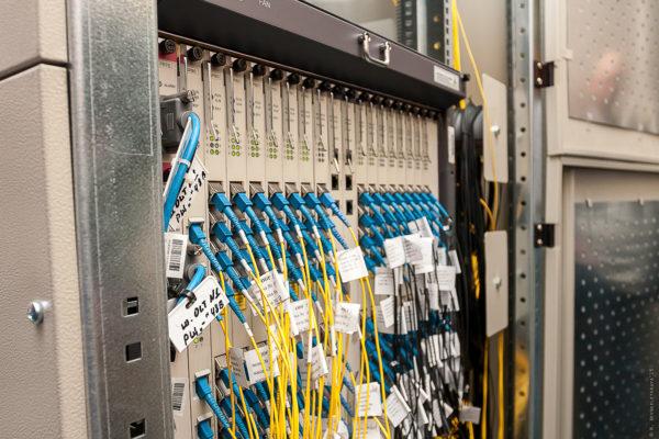Как устроены оптоволоконные сети