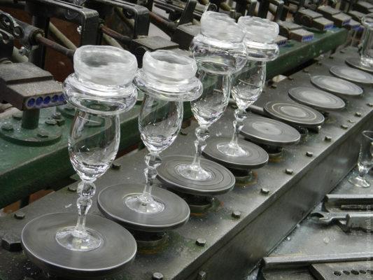 Как работает белорусский стеклозавод