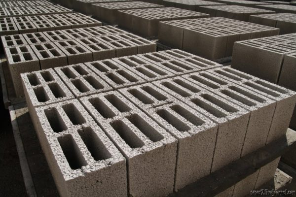 Как делают бетонные блоки в Израиле