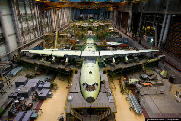 Как собирают Ил-76 и Ту-204
