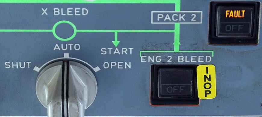 Как устроены кнопки в кабине самолёта