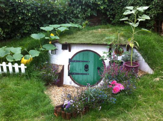 Как построить дом хоббита на заднем дворе