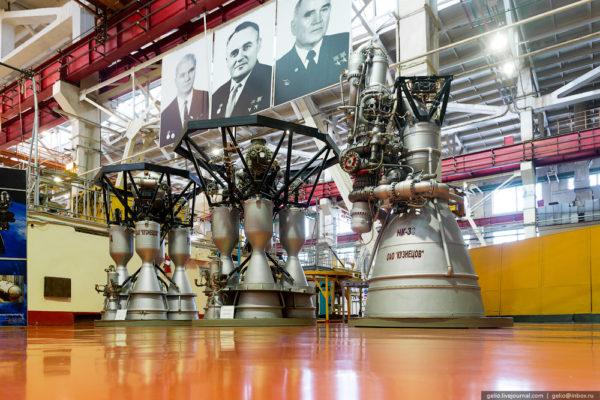 Как производят и испытывают двигатели для ракет и самолетов