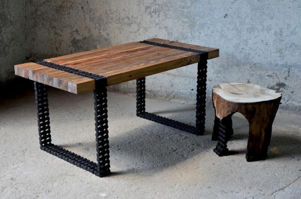 Как сделать кофейный столик из ржавых цепей и старых досок