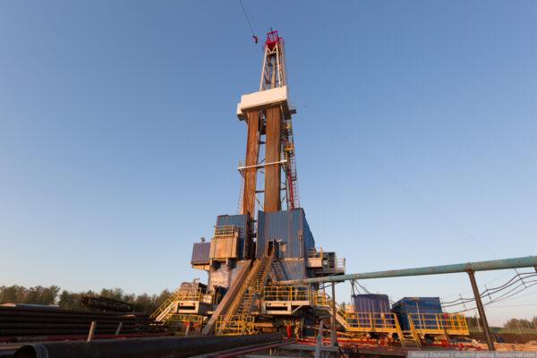 Как бурят скважины для нефти и газа?