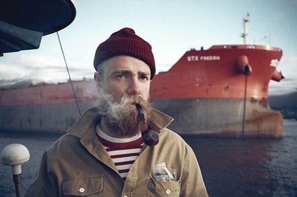 Как устроена работа моряка