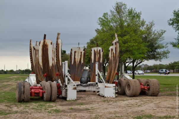 Самый большой в мире эвакуатор деревьев